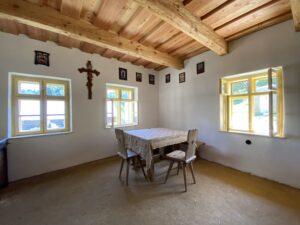 Hlinění podlaha, dřevěná okna